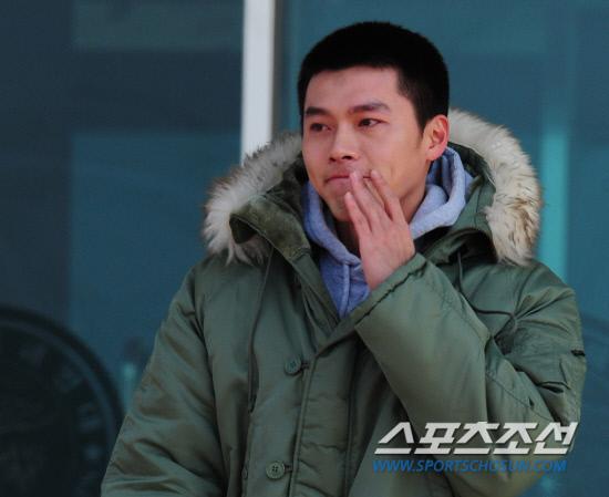 Hyun Bin se va al servicio militar y termina con Song Hye Kyo!!! Hyunbin_4